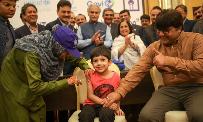 Young boy in Sindh Province, Pakistan, receives TCV at the campaign launch ceremony November 15, 2019.